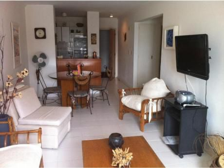 Apartamentos En Playa Mansa: Trn48a