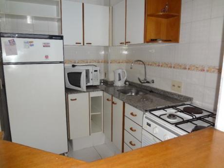 Apartamentos En Playa Mansa: Trn793a