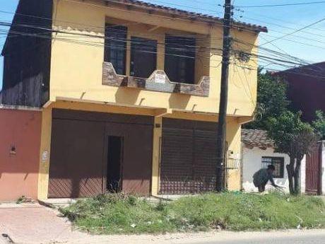 Casa De Dos Planta En Venta S/avenida Sup. 235 Mts2