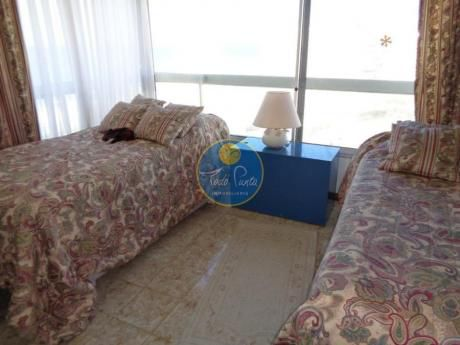 Apartamentos En Playa Mansa: Tdp29a