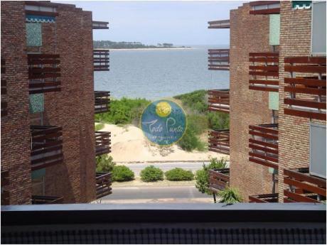 Apartamentos En Playa Mansa: Tdp452a