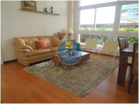 Apartamentos En Playa Mansa: Tdp711a