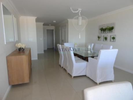 Apartamentos En Playa Brava: Vaz5100a