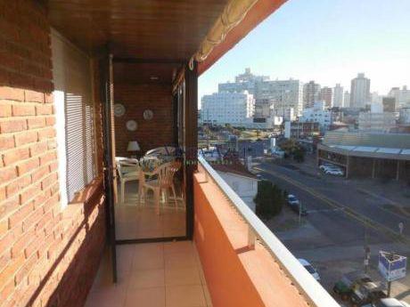 Apartamentos En Playa Brava: Vaz5354a