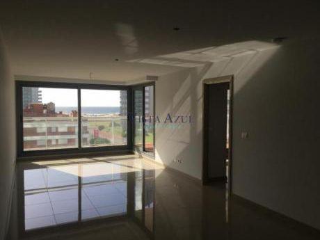 Apartamentos En Playa Brava: Vaz5386a
