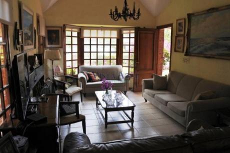 Casas En Playa Mansa: Vaz5568c