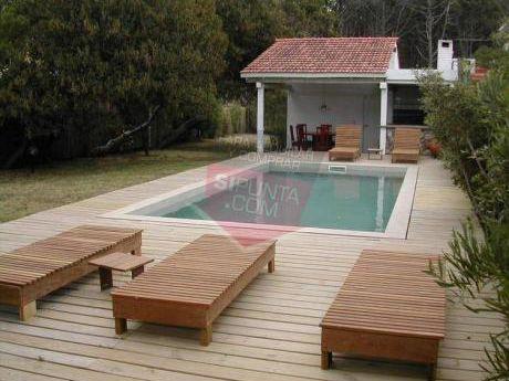 Casa En Playa Montoya En Alquiler  Y Venta - Ref: 1726