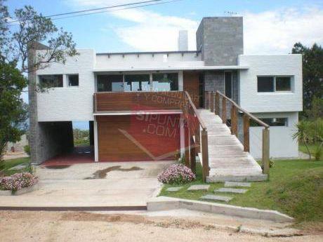 Casa En Punta Ballena - Ref: 713