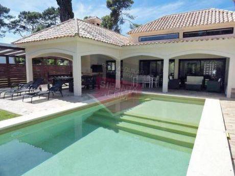 Casa En Alquiler, Barrio Privado - Ref: 877