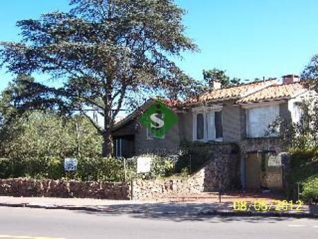Cantegril, 3 Dormitorios, 2 Baños, Gran Parque, Bien Puesta, Tambien Para Comercio.