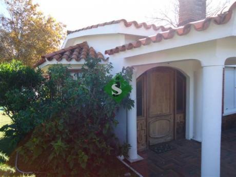 Mansa, Son 2 Casas De 1 Dormitorio, Y 2 Dormitorios, Baño, Patio, Cerca Del Mar.