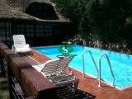 Pinares, 4 Dormitporios , 4 Baños, Piscina Y Cerca Del Mar