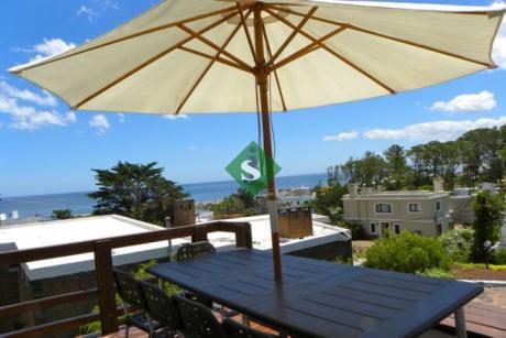 Punta Ballena, Gran Vista Al Mar, 3 Dormitorios, 2 Baños, Piscina.