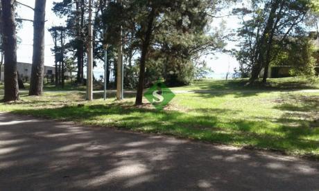 Club Del Lago, Terrenos Con Frente A La Laguana