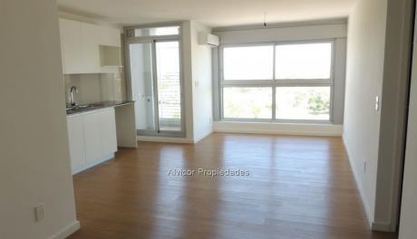 Apartamento, Venta, 2 Dormitorios En Malvín, Montevideo