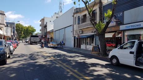 Alquiler Local Comercial Justicia Y Amezaga Zona Mayorista