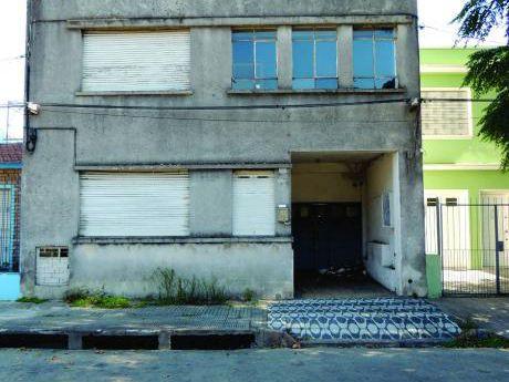 Ideal Reciclaje.francisco Lavandeira, Próximo A Nuevo Centro
