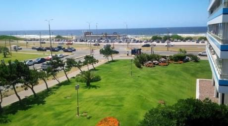 Playa Brava Con Vista Al Mar