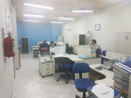 Alquilo Edificio Corporativo S/palma