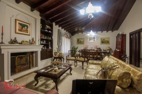 A0099 Alquilo Casa En Barrio Santa Librada, Zona Uca