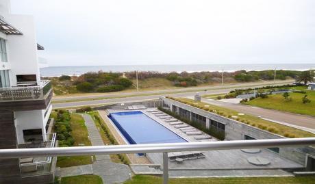 Punta Del Este. Primera Linea Al Mar.