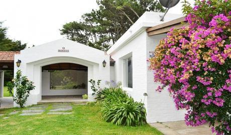 Hermosa Casa En Punta Del Este. Barrio San Rafael.