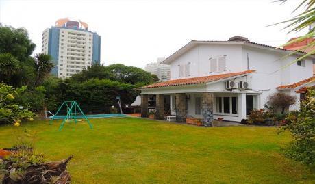 Hermosa Casa En Punta Del Este. Barrio Aidy Grill. Muy Cerca Del Mar !!!