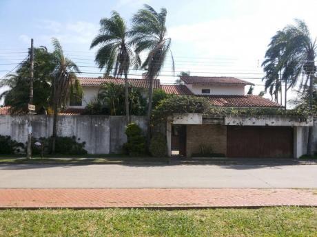 Casa Entre La Av. Alemana Y Av. Mutualista