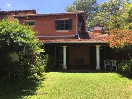 Se Vende Casa De 3 Dormitorios En Barrio Mburucuya