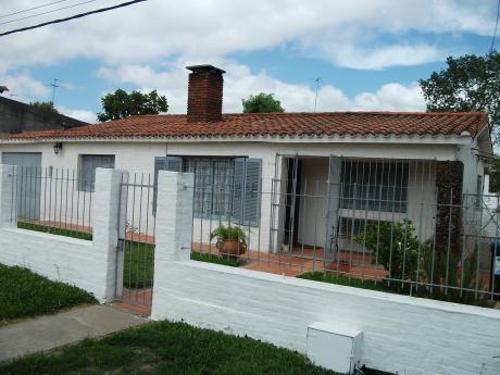 Hermosa Casa Próxima Al Centro De Pando