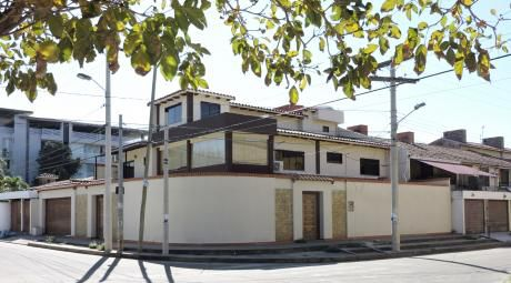 Casa De 3 Plantas En Alquiler Para Empresa Zona Norte