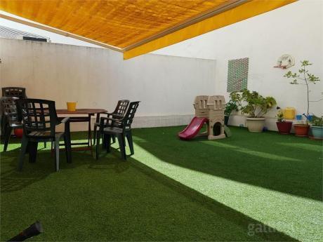 Apartamento De Dos Dormitorios Con Gran Patio Soleado