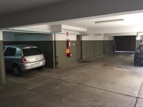 Excelente Lugar De Garage Fijo De Cómodo Acceso De Ingreso Y Salida.