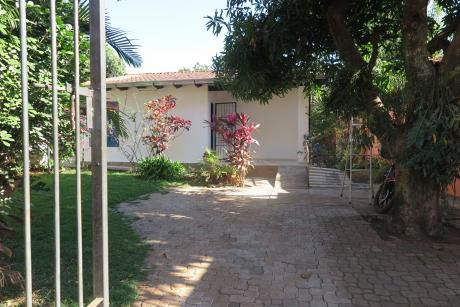 Alquilo Casa De 3 Hab. En El Area 5 - 2.500.000 Gs.