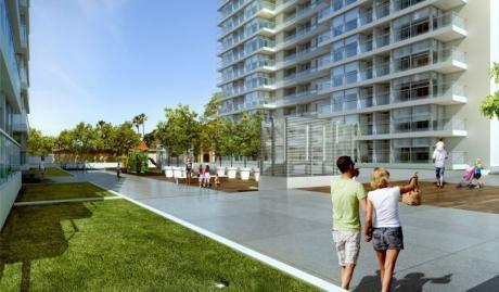 2 Dormitorios, Terrazas, La Mejor Vista De Montevideo! Orientado Al Sol!