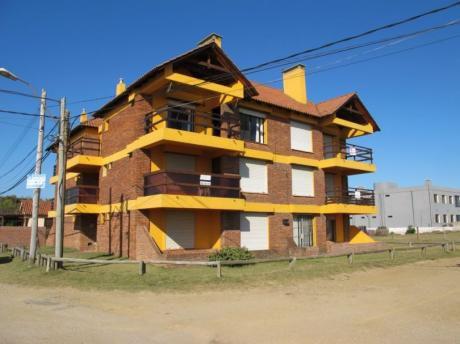 Apto 03 - Apartamento A Metros De Playa La Balconada