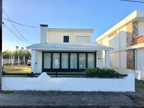 Muy Buena Casa A Metros Del Mar El El Casco Viejo