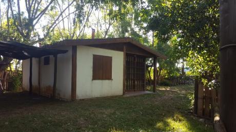 Dos Casas A Pasos De La Principal De La Pedrera