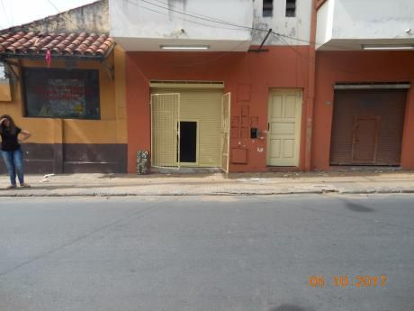 Alquilo A-037 Salon - Barrio Gral. Díaz