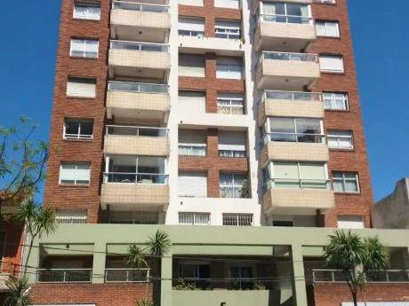 Alquile Apto De 3 Dormitorios Con Garage En Zona Punta Carretas