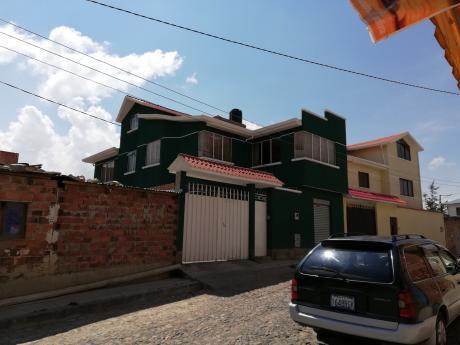Bella Vista Casa En Tres Niveles