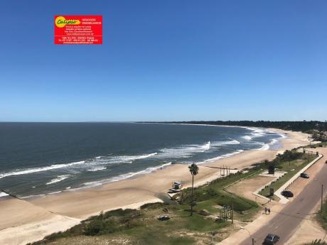 Frente A La Playa Mansa - Con Cochera- Inmobiliaria Calipso