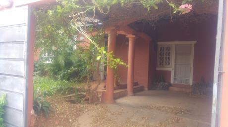 En Alquiler! Amplia Casa En Luque  Zona Los Jardines