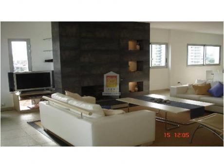 Apartamentos En Playa Mansa: Nyp1300a