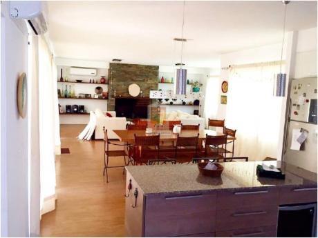Casas En Playa Mansa: Nyp21472c