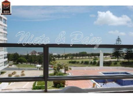 Apartamentos En Playa Mansa: Nyp2154a