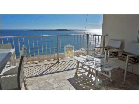 Apartamentos En Playa Mansa: Nyp2228a
