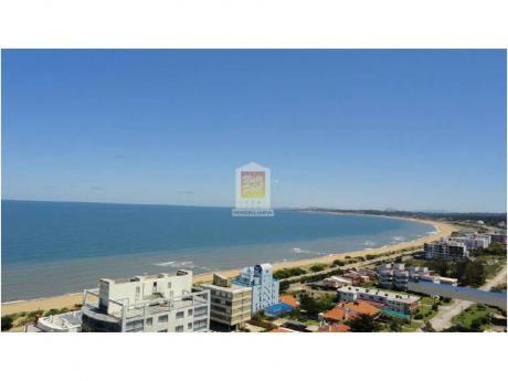 Apartamentos En Playa Mansa: Nyp24045a