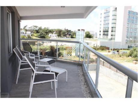 Apartamentos En Playa Brava: Nyp24555a