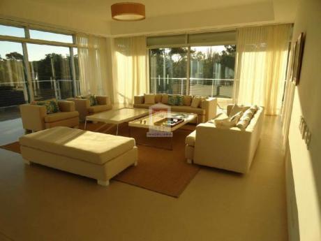 Apartamentos En Playa Brava: Nyp24972a